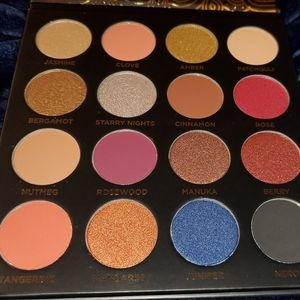 Other - ACE BEAUTÉ - QUINTESSENTIAL EYESHADOW PALETTE